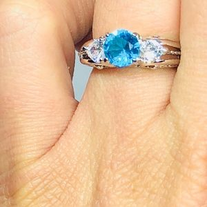 Jewelry - Sterling Silver ring with 2.00CT aqua marine